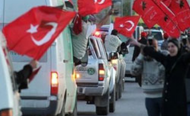 Egypt blocks Turkish MPs in Viva Palestina convoy from entry