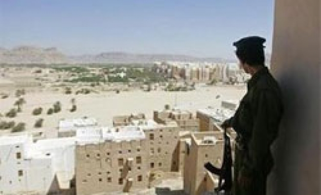 Deaths as Yemen military helicopter crashes