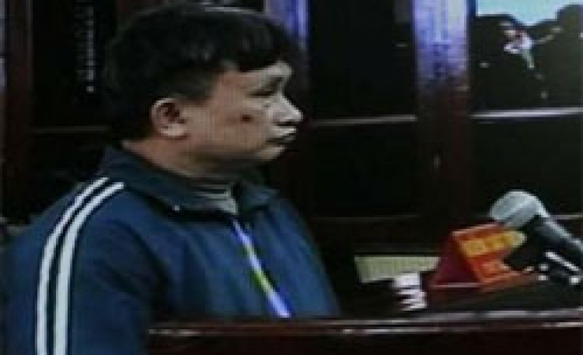Vietnamese court convicts dissident of subversion