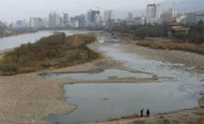 China battles to stop diesel polluting Yellow River