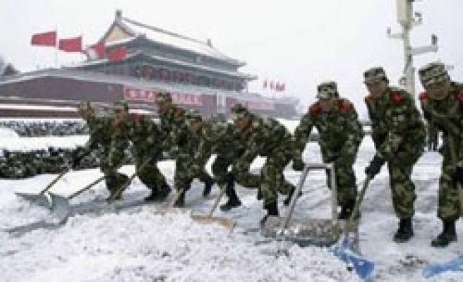 North China struggles with icy cold snap