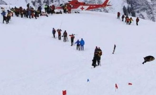 Avalanches in Switzerland kills five people, 3 missing
