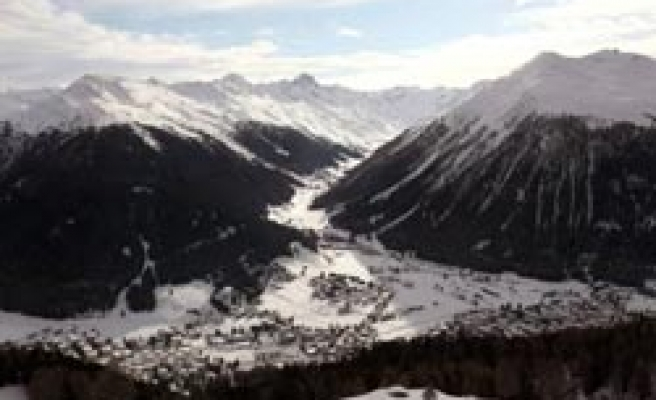 Three more bodies of skiers found in Swiss weekend avalanche