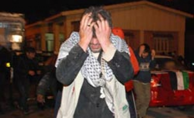 Turkey steps in after Egypt police attack Gaza aid activists / PHOTO