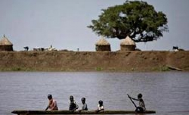 Deadly Sudan floods leave thousands homeless