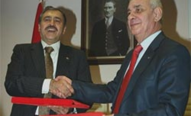Turkey, Syria sign deal to build dam over River Asi