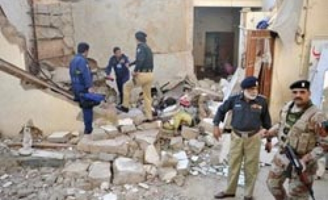 Deadly explosion hits Karachi house