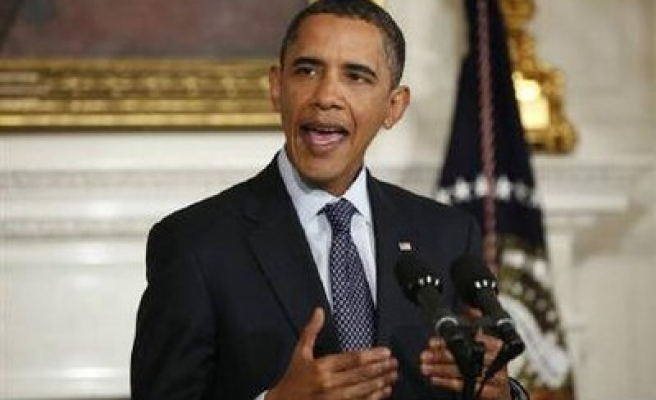 Obama awards $2.3 bln clean energy tax credits