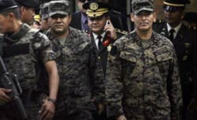 Honduras 'to try generals over coup'