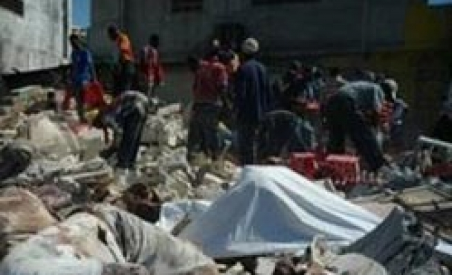 Turkish Red Crescent team delivers food aid in Haiti