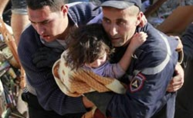 Algiers gas explosion kills 3, more feared trapped