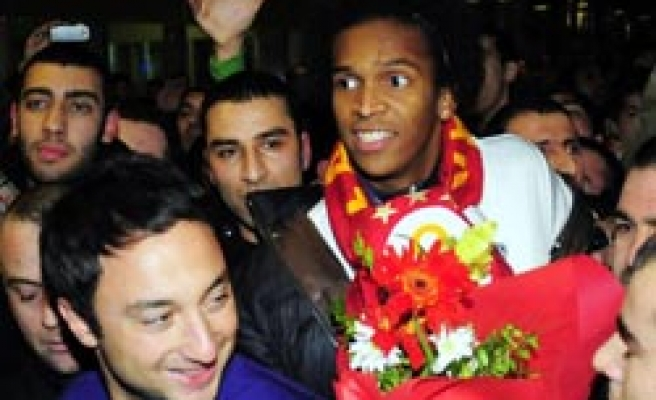 Galatasaray's Brazilian striker Jo arrives in Turkey