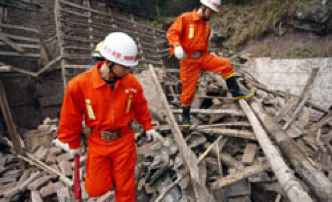 Quake in China's Sichuan kills one, damages homes