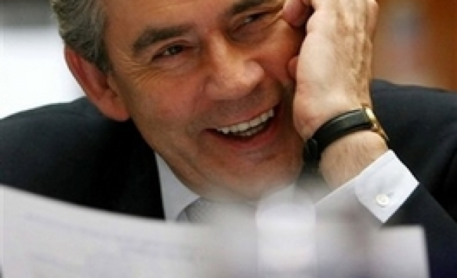 Gordon Brown to be comfirmed as new labour leader