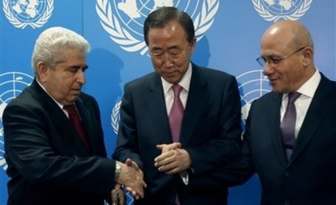 UN's Ban calls Turkish, Greek Cyprus to do more for deal