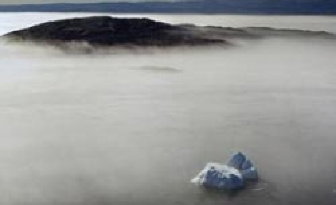 Scant Arctic ice could mean summer 'double whammy'