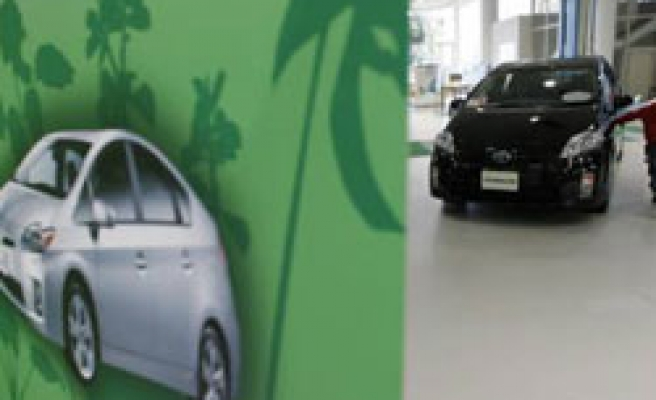 Toyota 'to recall Prius for brake glitch'