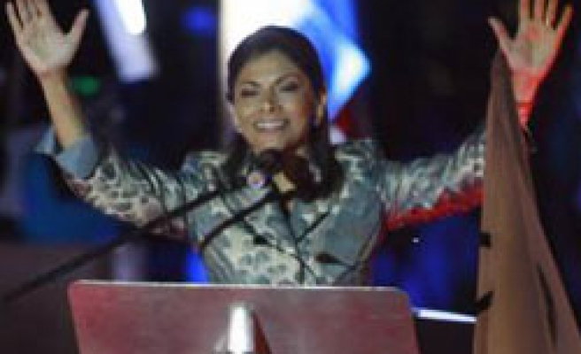 Costa Rica president's jet use prompts investigation