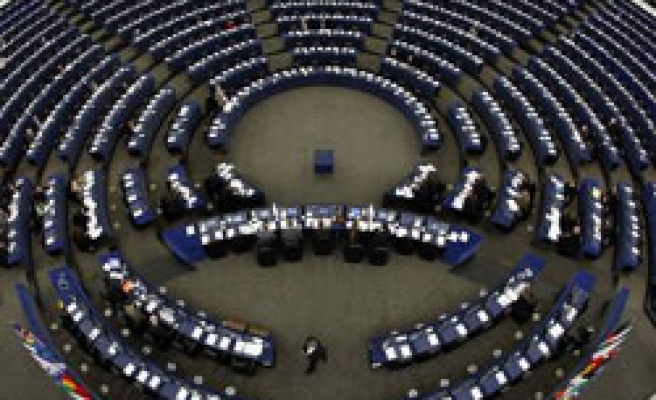EP endorses Turkey report, not happy with only Turk Cyprus troops