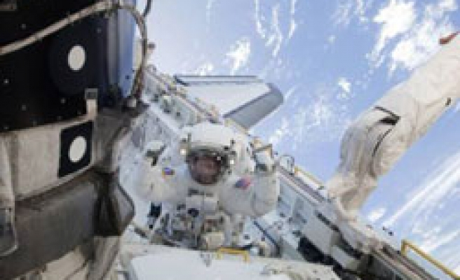 Astronauts install new room on ISS / PHOTO