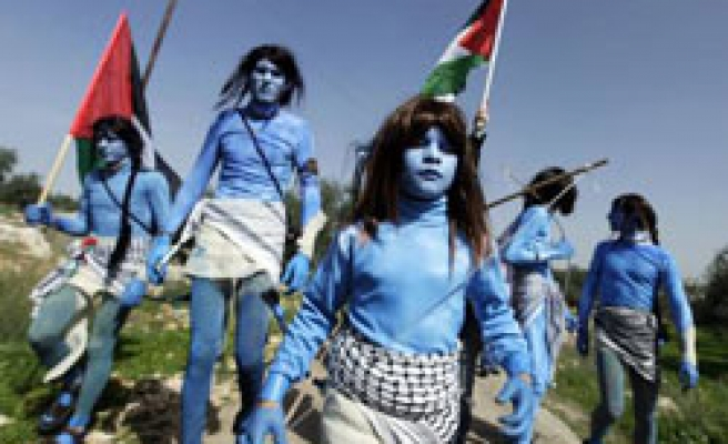Avatar inspires anti-wall protesters in West Bank / PHOTO