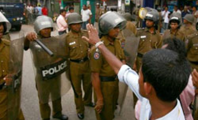 Sri Lankans protest for fourth day over detained general