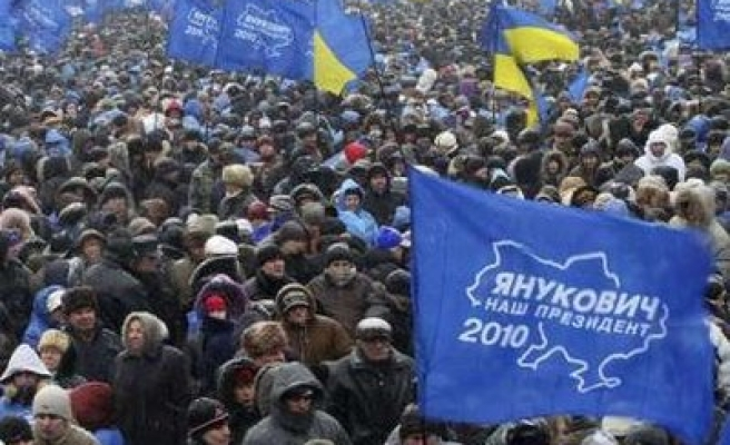 Yanukovich supporters push for early inauguration in Ukraine