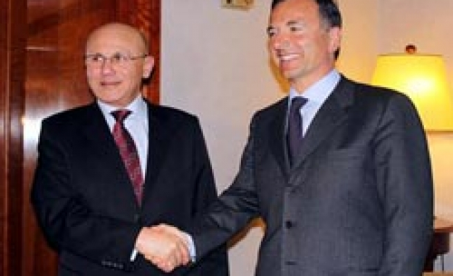 Turkish Cyprus President meets FM Frattini in Italy