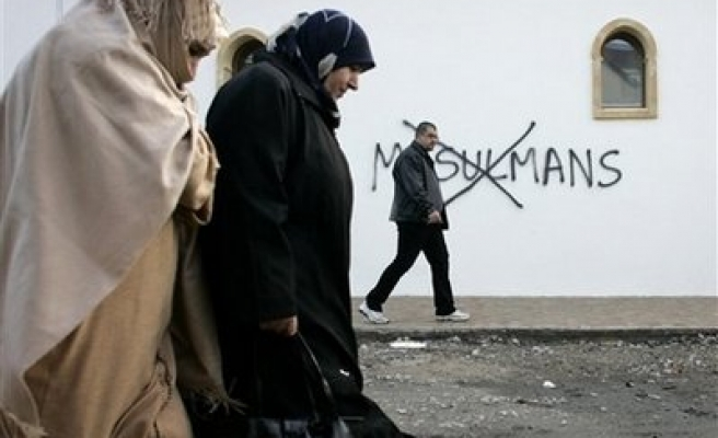 Mosque vandalised with racist graffiti in France