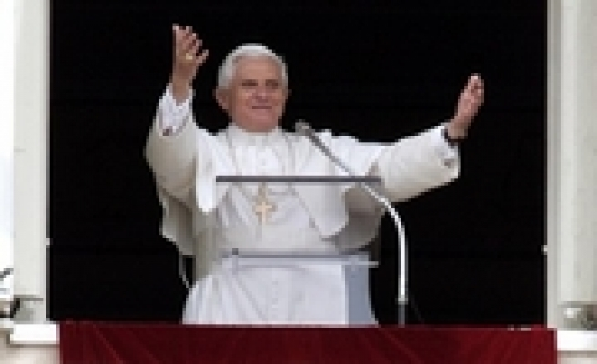 Pope changes rules for papal elections