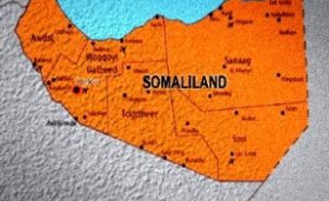 Tension as Somalia, Somaliland deploy troops on border