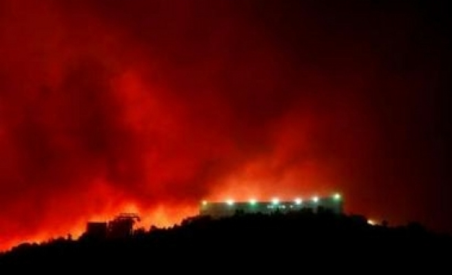 Wildfire burns more than 1,000 hectares of Athens