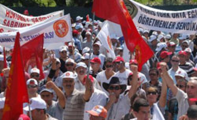 Unions to hold general strike, rally in Turkish Cyprus