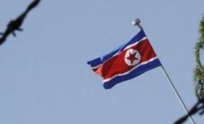 N.Korea proposes talks with South on split families
