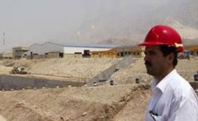 Iran Guards quit South Pars gas field, foreigners welcomed