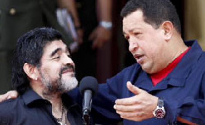 Venezuela cuts diplomatic ties with Colombia