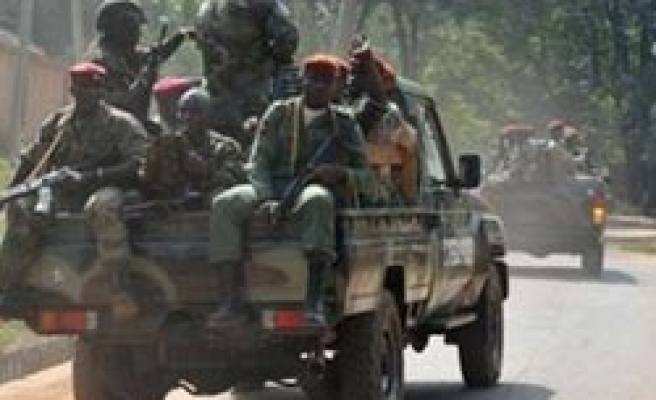 Troops sweep into northern Nigerian cities