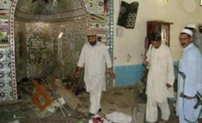 Afghan candidate killed after bomb attack in mosque