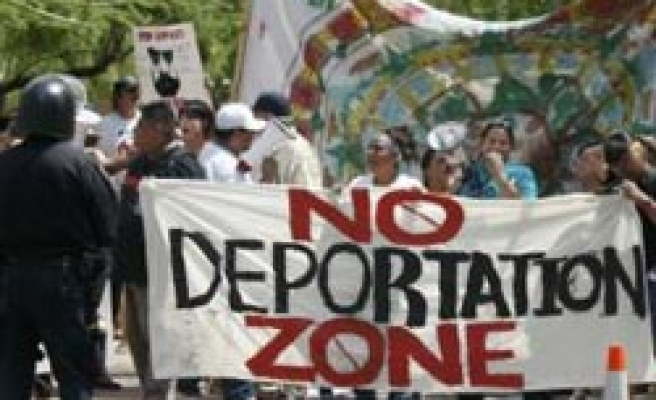 US court sets date for Arizona appeal to immigrant law block