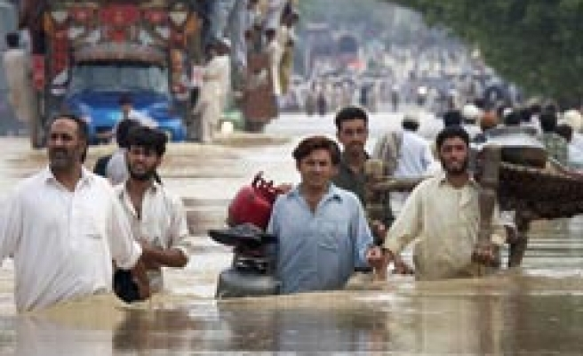 Death toll in Pakistan flood rises as 1 million affected / PHOTO