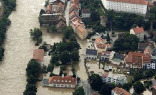 More deaths as flash floods inundate C.Europe - UPDATED