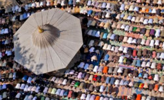 Turkey to welcome Ramadan with world Muslims / PHOTO