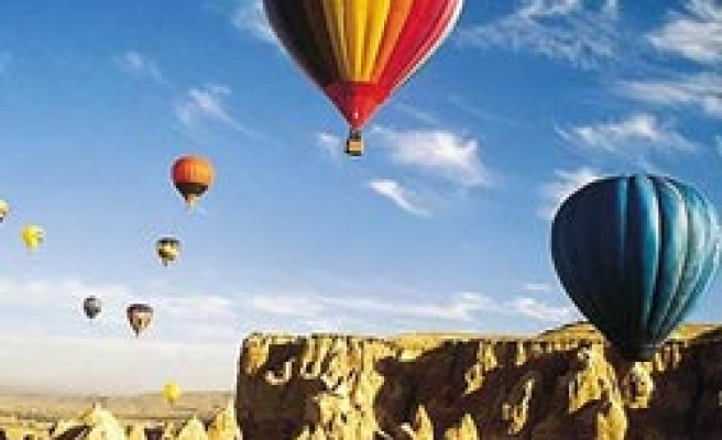 Japanese tourists settle in Turkey's Cappadocia region