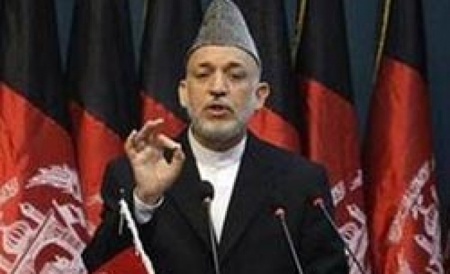 Karzai disbands privat security firms in Afghanistan