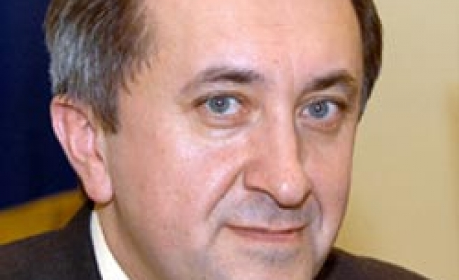 Ukraine issues arrest warrant for ex-economy minister