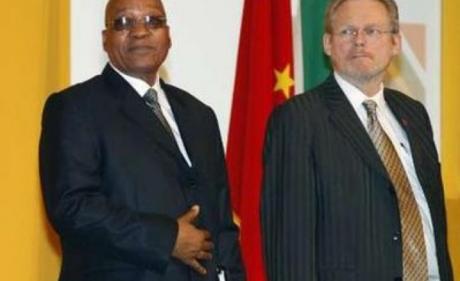 Zuma tries to win greater China investment in S. Africa