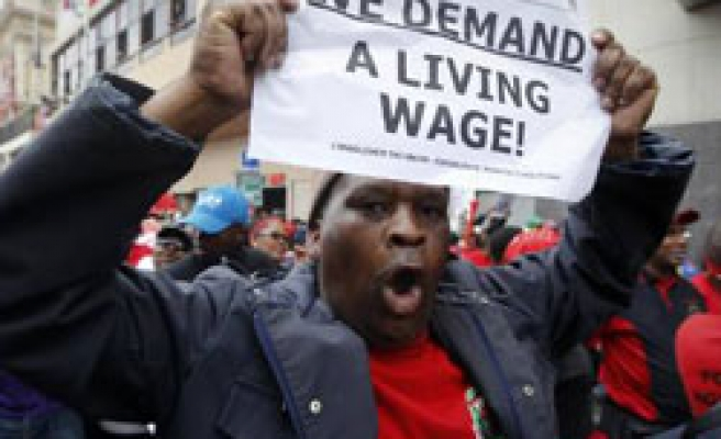 S.African workers hold mass protests over pay dispute