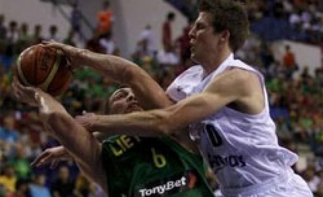 Lithuania tops Group D, New Zealand admits bad play