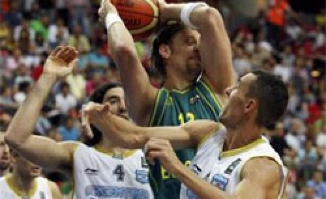 Australia basketball team says defeated by 3-pts shots of Argentina
