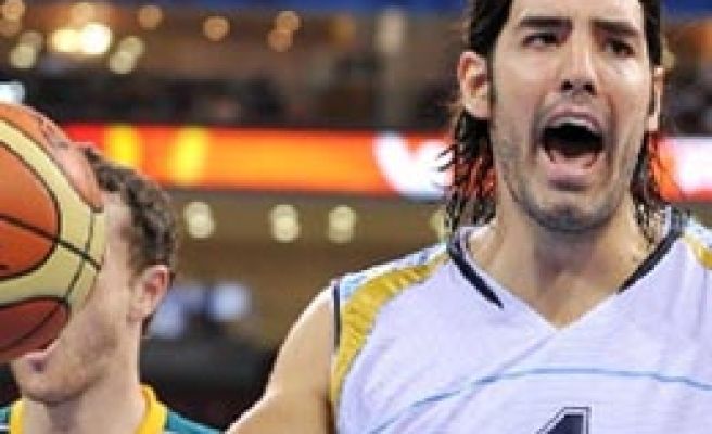 Argentina's Scola becomes top scorer at basketball worlds